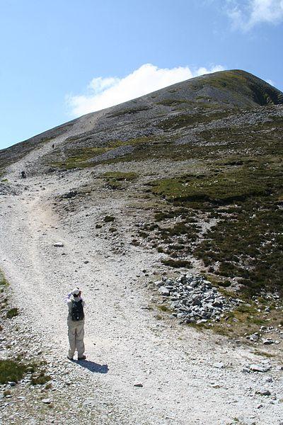 400px-Croagh-patrick-path2